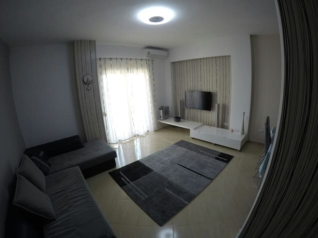 Apartment in Durres center AC/Wi-Fi - Durrës - Lägenhet