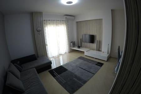 Apartment in Durres center AC/Wi-Fi