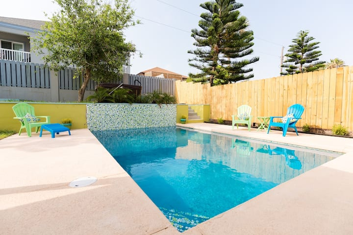Private Oasis for your Family Fun on SPI, TX!