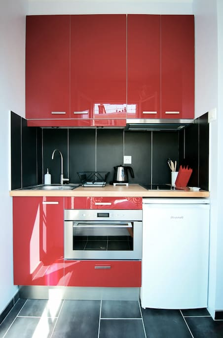 Full equipped kitchen with combi oven