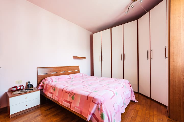 Romanitc Room in B&B of Pisa - ปิซ่า - บ้าน