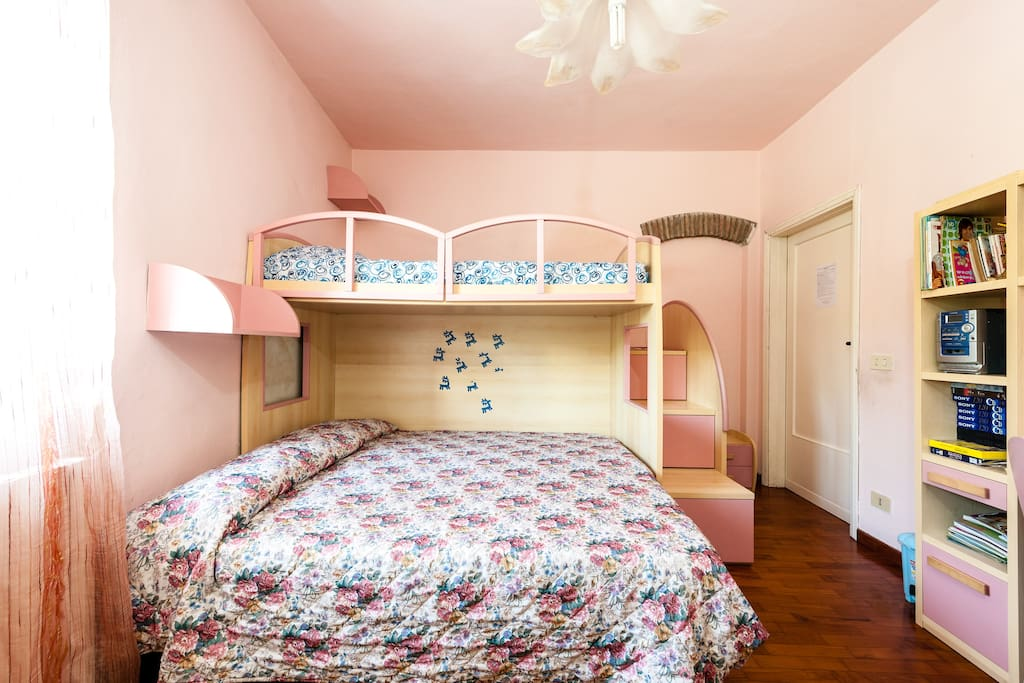 triple room in bed breakfast pisa bed and breakfasts for rent in pisa tuscany italy. Black Bedroom Furniture Sets. Home Design Ideas