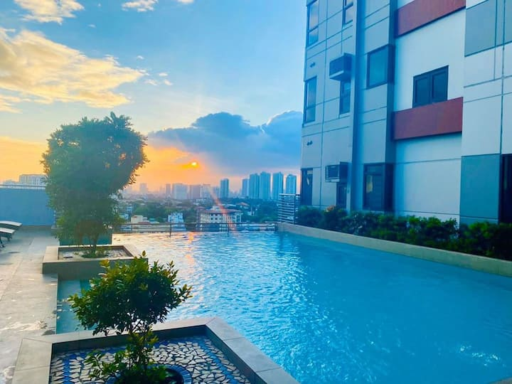 Beautiful City Views/Entire Condo Unit @CUBAO