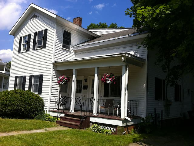 Sunny one bedroom - Ballston Spa - Daire