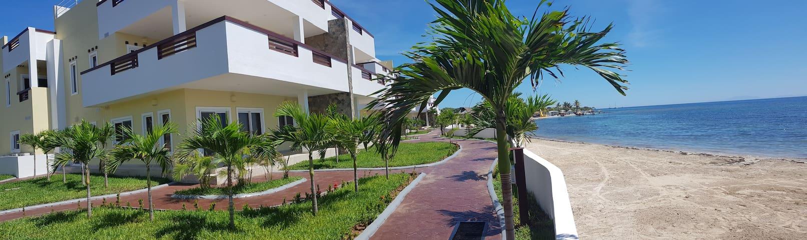 Las Palmas Villa 1320