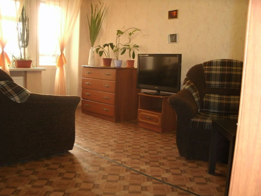 Комната (вид 3). Кабельное ТВ 60 каналов.