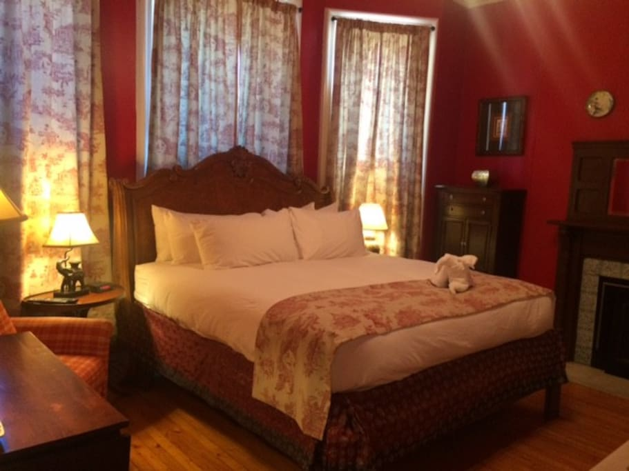Our king-sized beds are the comfiest in town!