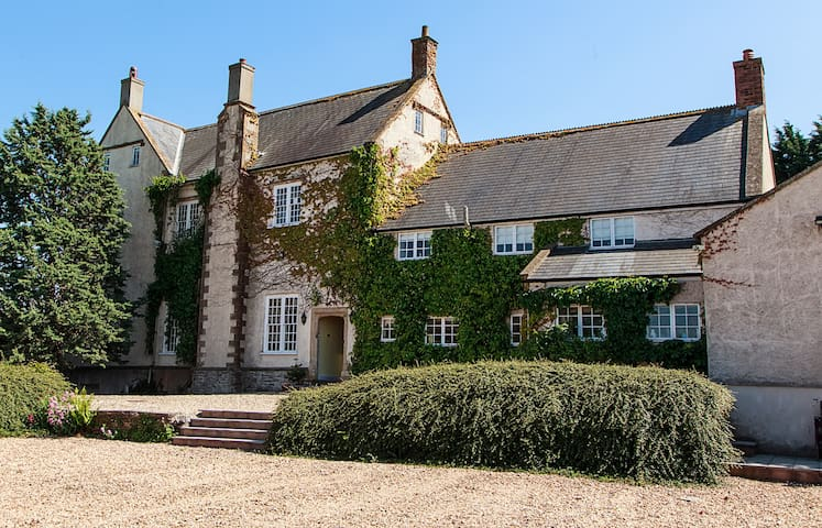 Family Holiday Home - Somerset Country Farm House - Cannington - Rumah