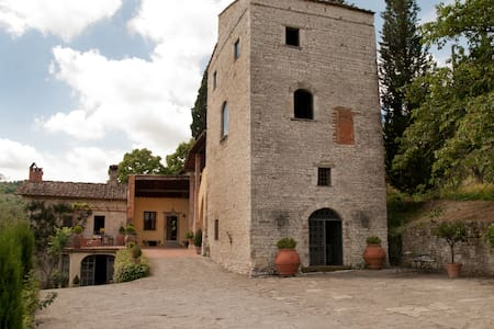 Frantoio in medieval tower house - Rignano sull'Arno, Florence