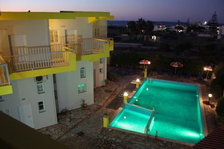 walking by the sea!  - Heraklion - Apartamento