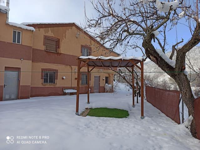 Casa en plena naturaleza, junto al río, en Nerpio