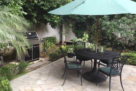 Guest House in Beautiful Coronado - Coronado - 宾馆