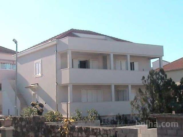 Vila Kiara - Okrug Gornji - Apartment