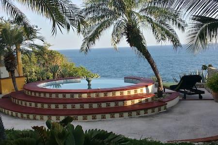 """Gemuetliches Zimmer """"SOL"""" - Puerto Escondido"""