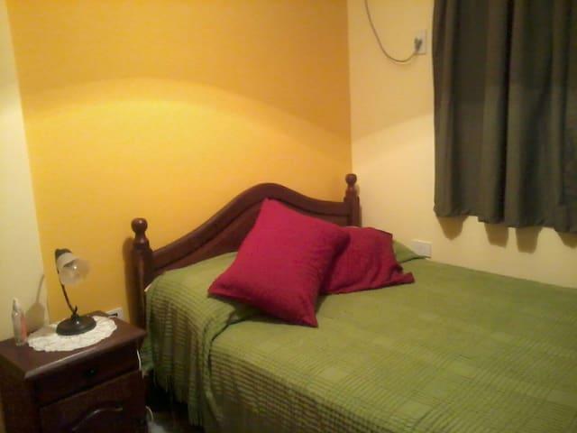 Habitación privada con cama doble - Posadas - Departamento