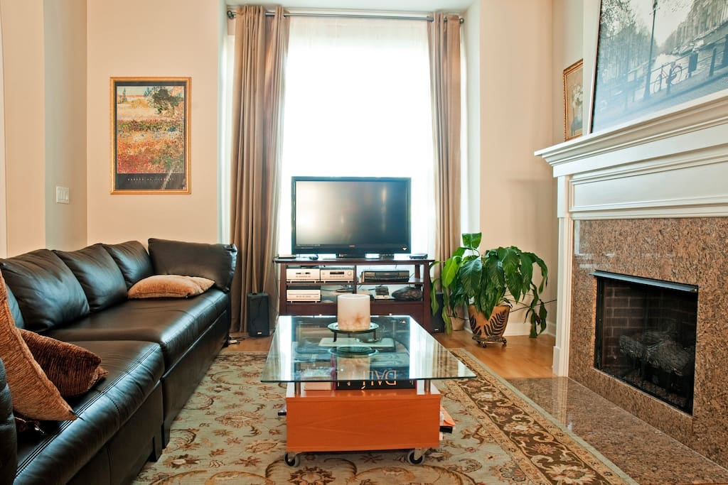 Relax and unwind n the living room.....enjoy TV, cable, dvd, music...