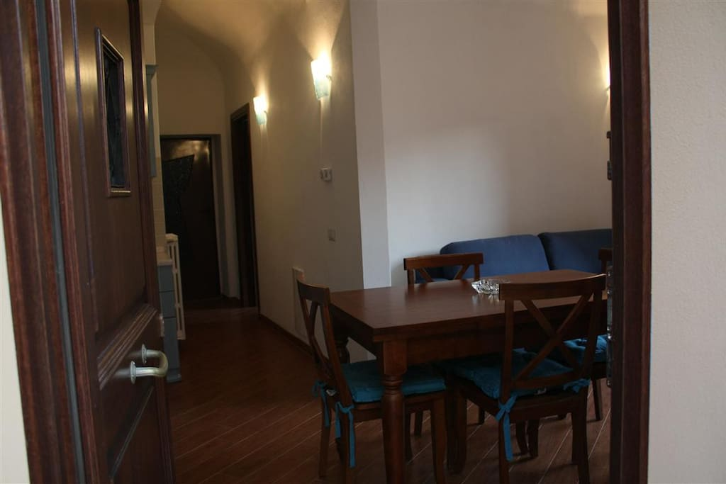 NEWLY RENOVATED APARTMENT IN CENTER