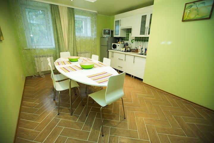 Апартаменты с сауной и джакузи - Konakovsky District - Pis