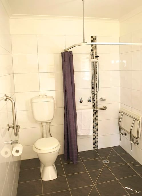 Bathroom with Stepless Shower