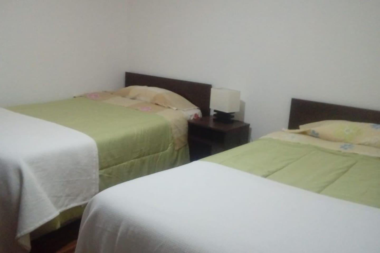 Habitación doble con 2 camas de 1 1/2 plaza.