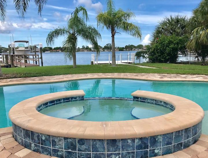 Waterfront Docks Pool! Gulf & River Bayou Access!