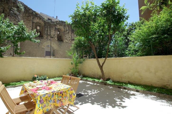 Testaccio with garden & ruins view