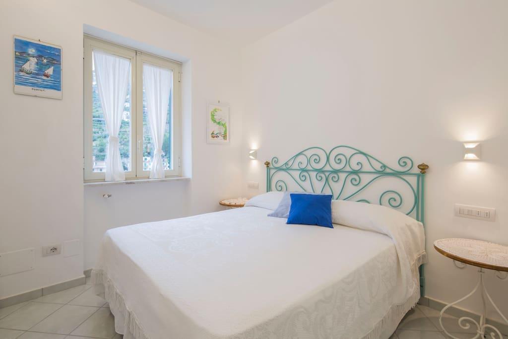 Letto Matrimoniale (camera matrimoniale) Kingsize bed (double bedroom)