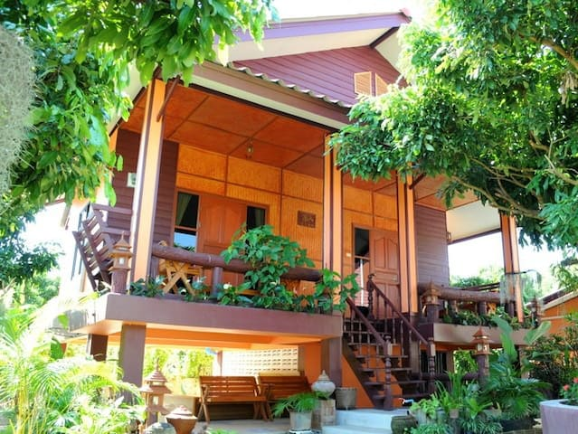 Pretty Garden View Cottage - Pa Bong - อพาร์ทเมนท์