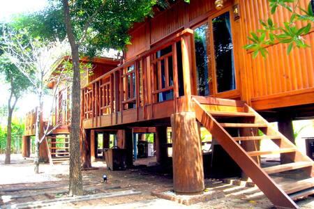 Lovely WoodHouse Pattaya  - Huis