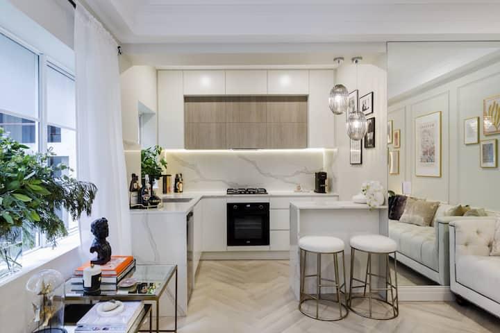 Sydney Harbourside Modern Parisian Suite