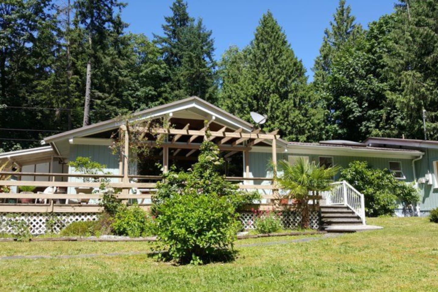 Palm Beach Hideaway, Powell River, Sunshine Coast - Houses for Rent ...