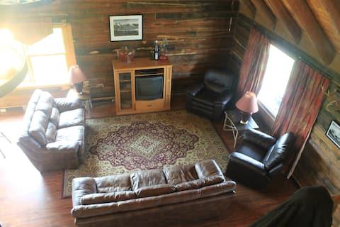 5G Farm Log House