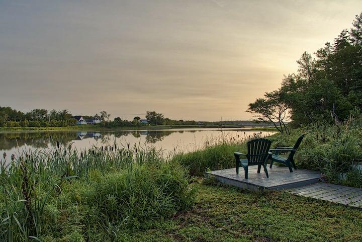 Private Waterfront Getaway