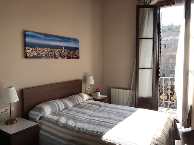 Excellent room in plaza españa G1 - Barcelona