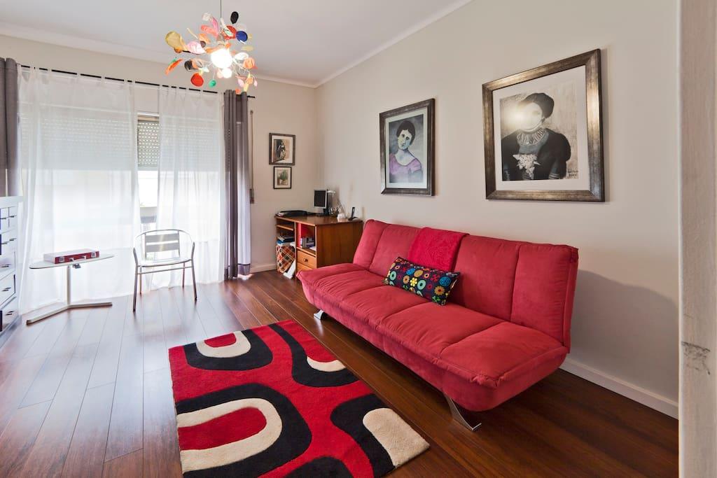 books company to relax and be happy wohnungen zur miete in porto porto portugal. Black Bedroom Furniture Sets. Home Design Ideas