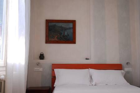 Green courtyard in Bologna - Bologna - Apartment