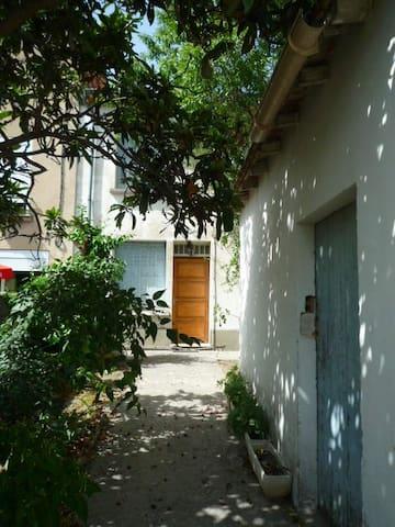 Pour le festival d'Avignon! - Morières-lès-Avignon - Wohnung