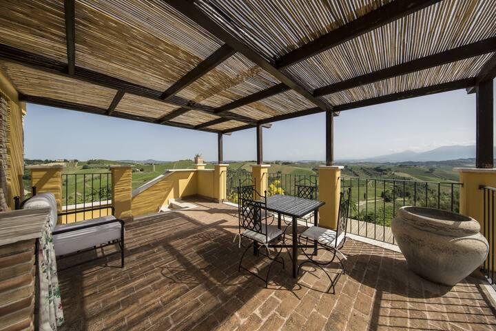 Bell'appartamento ad Ascoli Piceno con sauna
