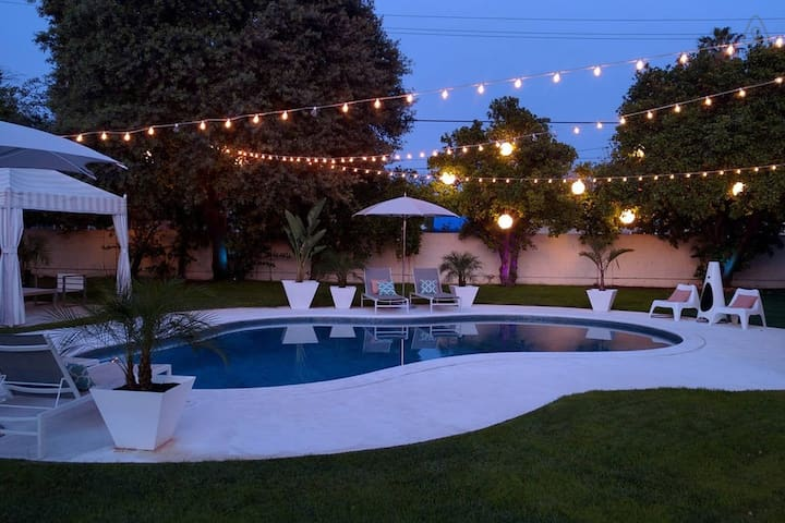 Luxury Private Queen Bed & Bath w/ Pool and Spa - Los Angeles - Casa