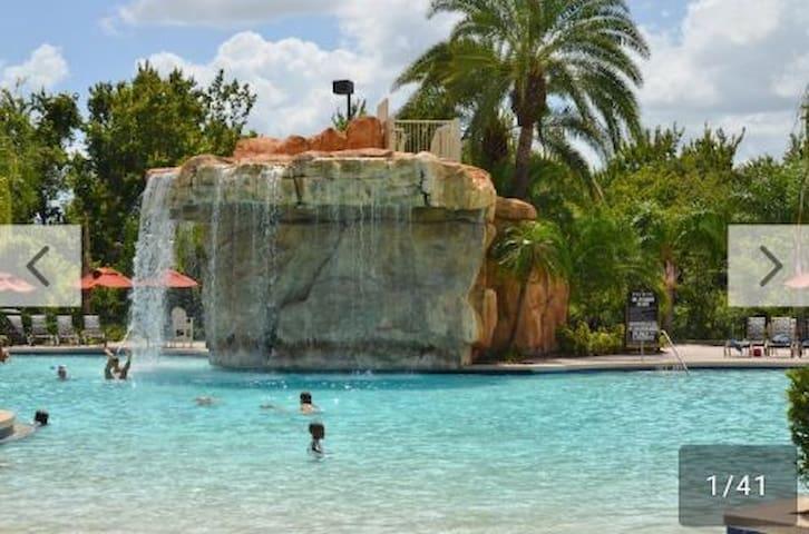 Mystic Dunes Resort 2 BDRMS deluxe