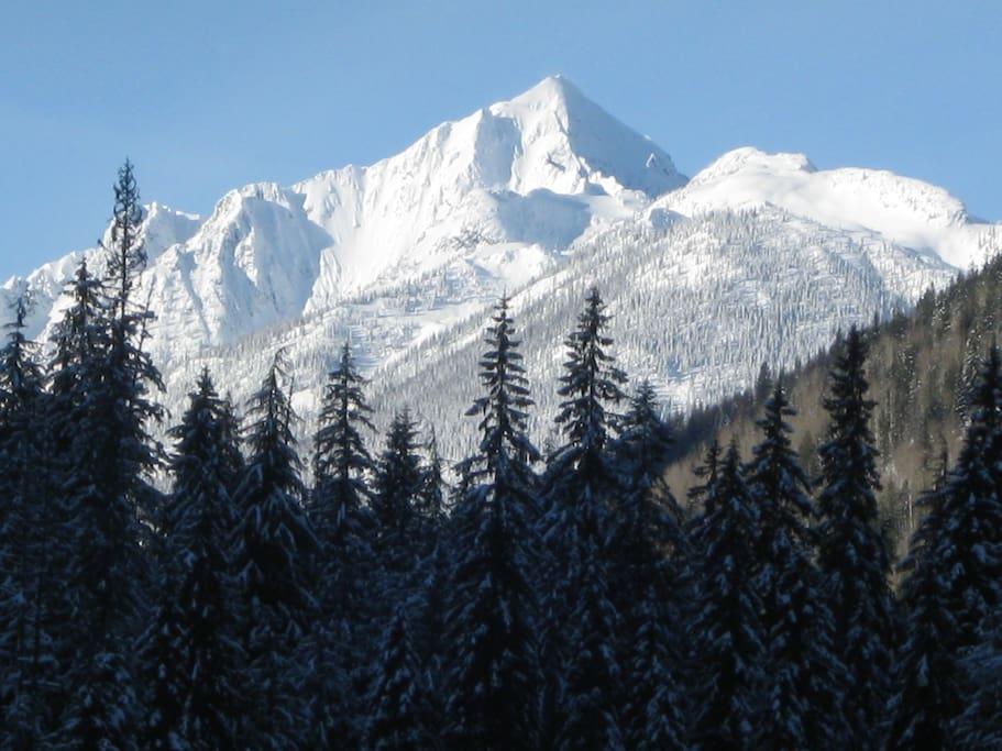 Views from the drive around the Kokanee Glacier