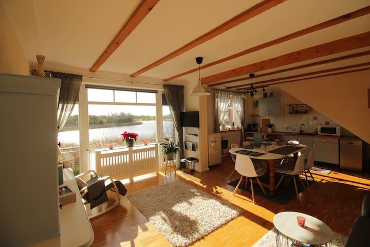 """Maisonette-Wohnung im""""Roten Haus am See"""""""