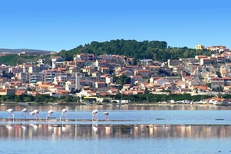 Apt centre town with pvt parking - Sant'Antioco - アパート