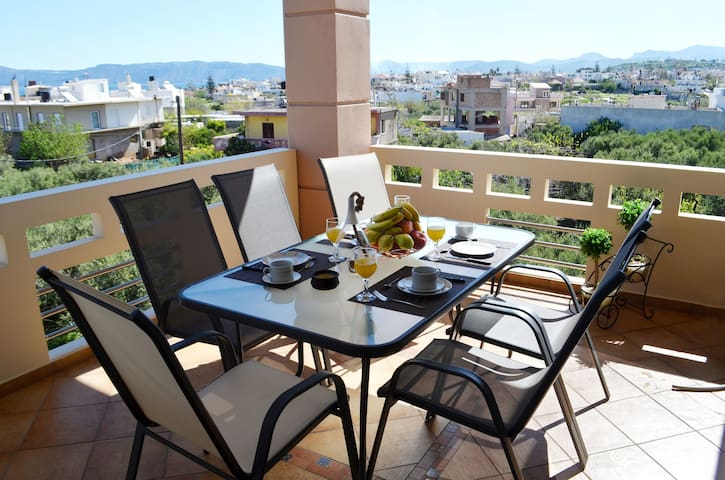 Pirgos Deluxe Family  Apartment in Kissamos!