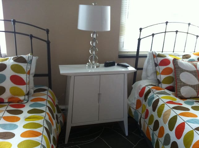 Modern 2BR/2BA By ConventionCenter