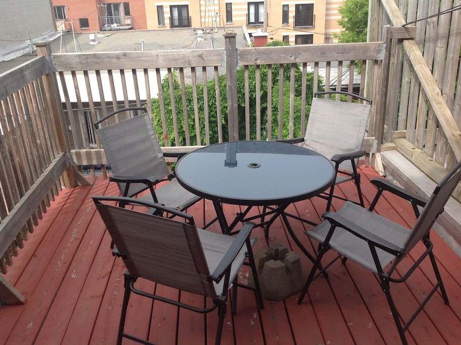 Private terrace, overlooking all of the neighbors!!