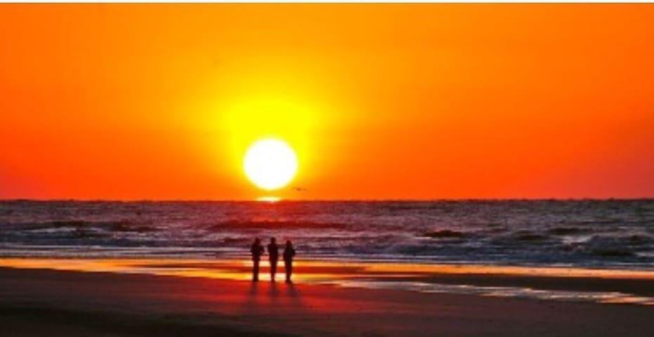 Relax, it's Folly... - Folly Beach - Társasház