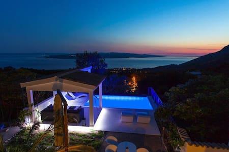 Villa Grandpa Luka /Stunning View/ Heated Pool !!! - Makarska
