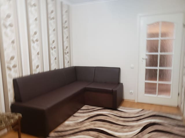 Cozy and spacious apartment! Great location!