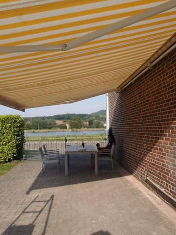 Charming home at waterside Kanne, near Maastricht